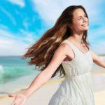 Donna felice dopo la disintossicazione