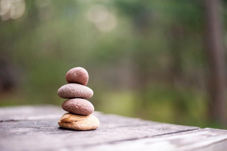 Composizione di pietre zen